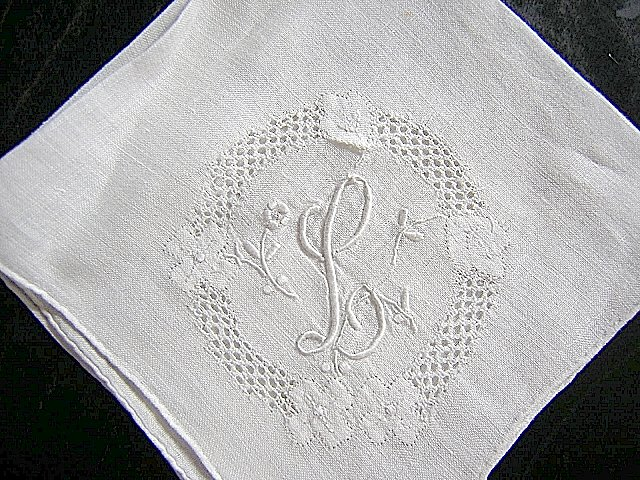 Vintage hand made embroidered hanky elegant monogram L ll1624