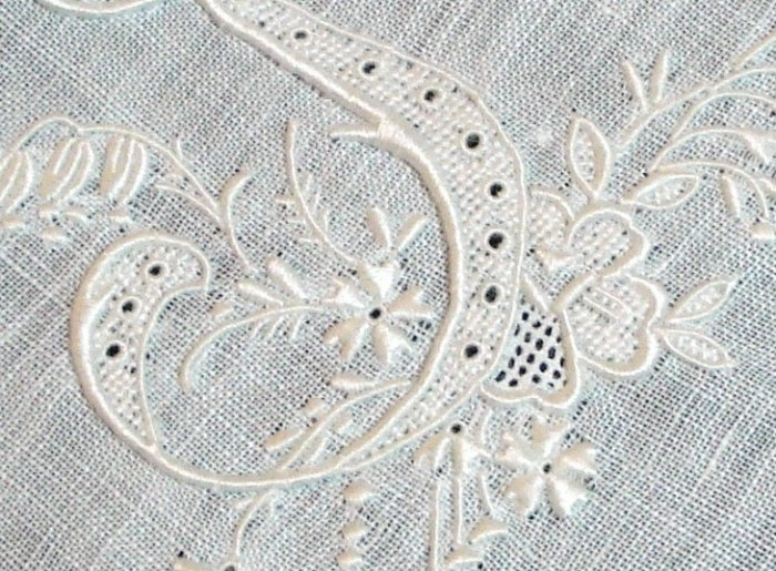 Exquisite hand embroidered Appenzell linen hanky S monogram rolled hem ll1340