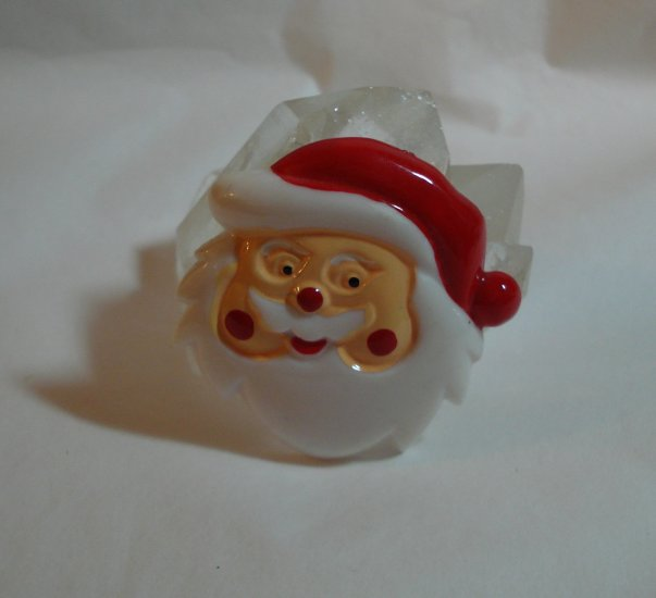 Plastic Santa head brooch pin perfect vintage ll1345