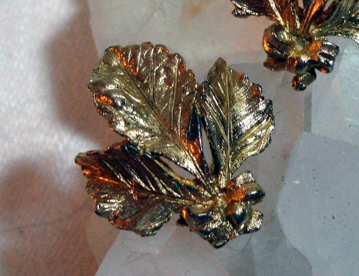BSK gold tone earrings leaves bow leaf bouquet clip backs vintage jewelry ll1396