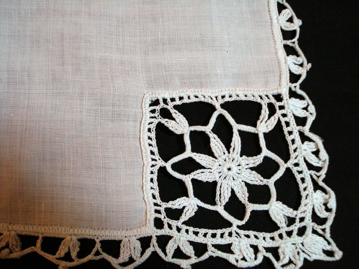 Vintage linen hanky pale aqua lavish hand crocheted lace  ll1418