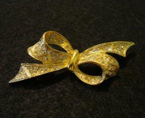 D'Orlan gold tone rhinestone bow pin brooch vintage jewelry ll2099