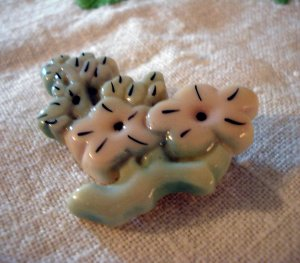 Opaque lucite flower pin brooch pastel stylized costume jewelry ll2242