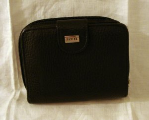 Danier pebble grained black leather French purse style wallet roomy unused ll2290