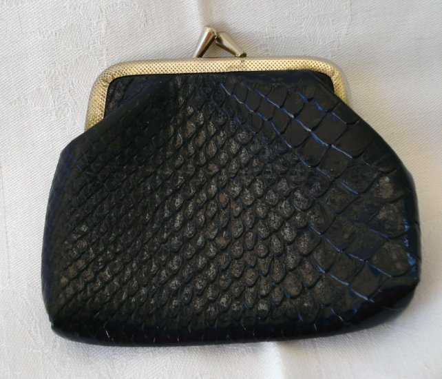 Navy faux snakeskin change purse kiss closure vintage ll2329