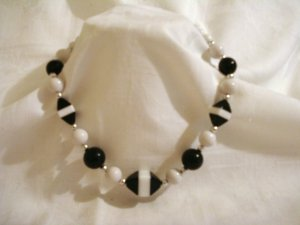 1960s Lucite plastic bead necklace black white laminate accents vintage ll2330