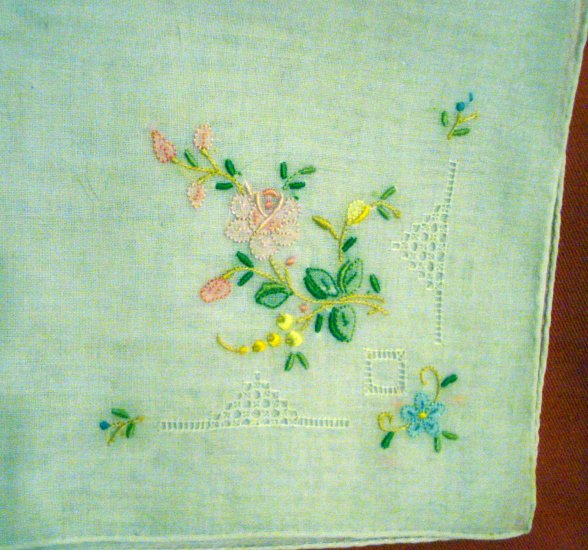 Embroidered linen hanky threadwork rolled hem unused vintage ll2375