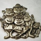 JJ pewter pin pig family ready to eat 6 pigs with utensils vintage ll2407