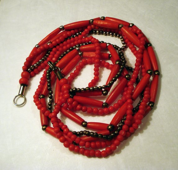 Red plastic beads with pewter necklace 5 strands excellent vintage ll2409