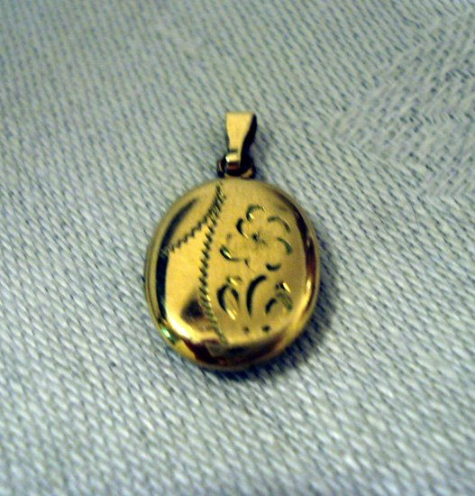 Antique gold filled locket tiny for child 2 photo spaces engraved ll2789