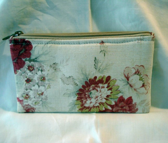 MaggiB cosmetics bag wipe clean lining muted floral unused ll2830