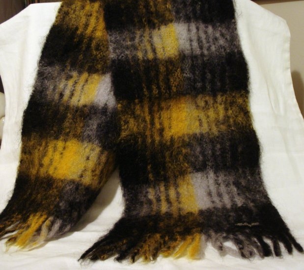 100% Mohair plaid scarf muffler self fringe black tan Unisex unused preowned  ll2868