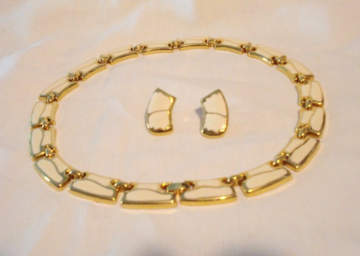 Ivory enamel on gold tone necklace and pierced earrings unused vintage ll2933