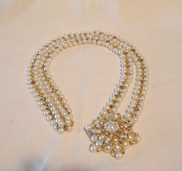 Unusual faux pearl opera length rope necklace with pendant vintage ll2934