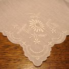 White linen hanky Whitework daisy embroidery unused vintage ll3058