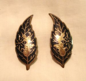 Siam sterling silver niello enamel clip earrings Balinese dancers vintage ll3062