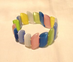 Moonglow beads stretch bracelet multi-hued long flat beads pre-owned perfect  ll3095