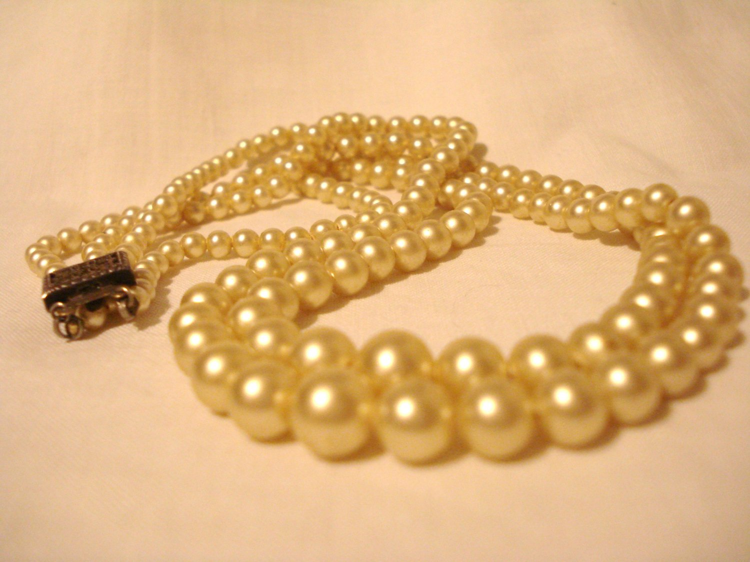 Double strand similated pearls 15/16 inches sterling filigree box clasp  vintage ll3108