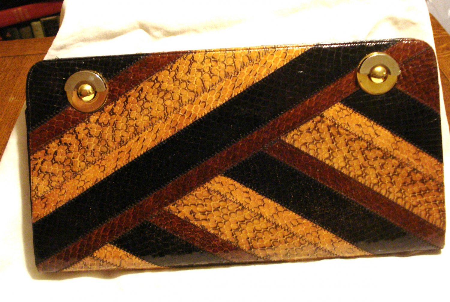 Melusso Italy snakeskin handbag large clutch with chain tan to black 1940s amazing vintage  ll3152