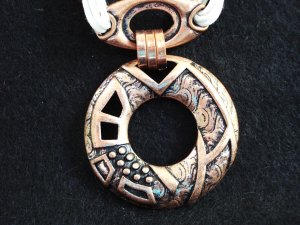 Copper and white cord pendant necklace summery Preowned  ll3159