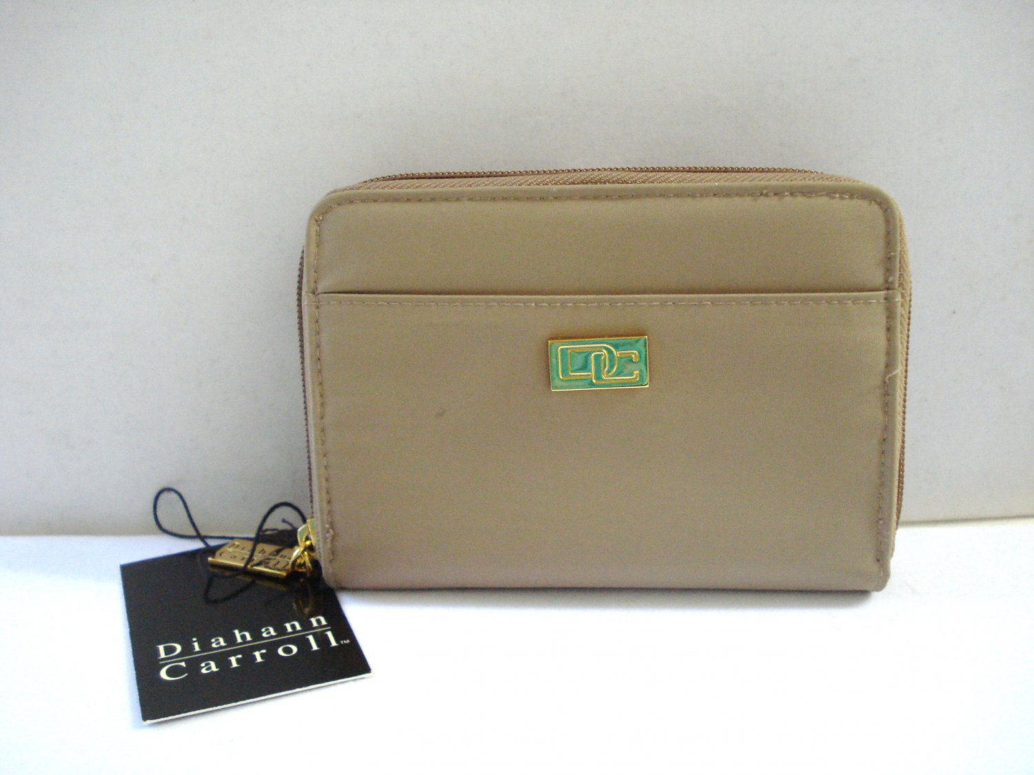 Diahann Carroll nylon French purse style wallet unused vintage w tags cafe au lait ll3181