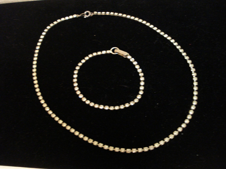 Single strand rhinestone necklace and tennis bracelet set vintage ll3245