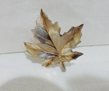 Sterling silver maple leaf pin brooch realistic vintage ll3309
