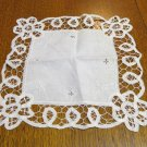 White Battenberg lace with embroidery hanky vintage ll3351