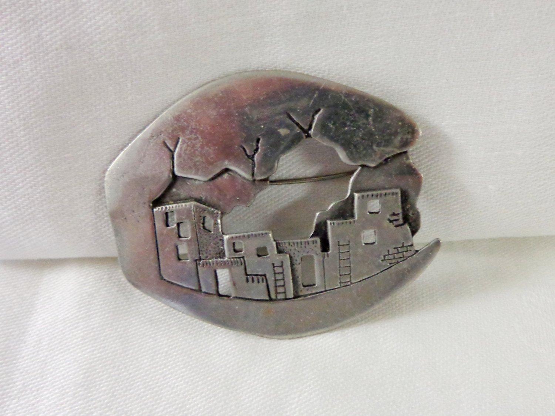 JJ pewter pueblo pin brooch Santa Fe collection 1988 cutwork vintage ll3364