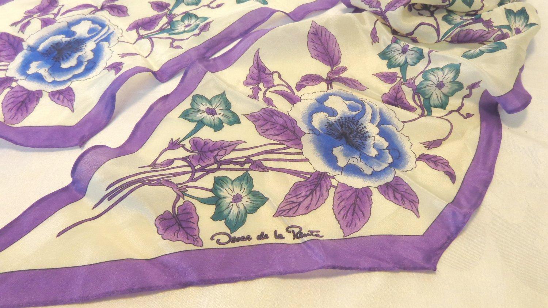 Oscar de la Renta bias cut long scarf purple blue floral on white silk vintage ll3393