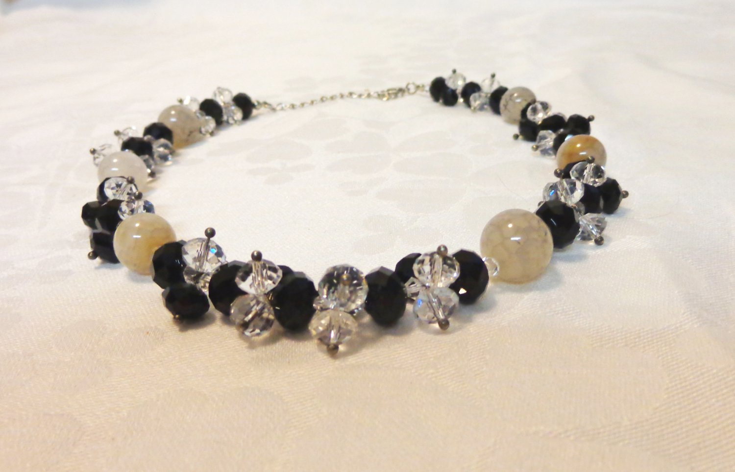 Mixed bead necklace with extender chain black white clear vintage ll3418