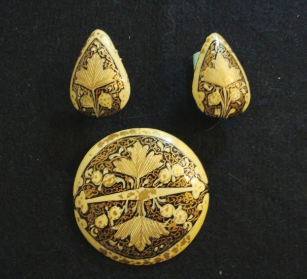 Hand painted paper papier mache pin earrings Russian Ukraine Polish vintage costume jewelry ll2124