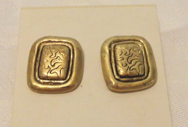 Coldwater Creek gold tone earrings rectangular pierced ears post unused mint condition ll3464