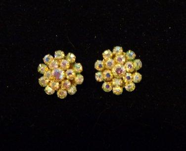 Clip back aureola borealis cluster earrings 1 inch great sparkle holidays vintage ll3470