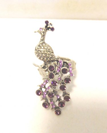 Flamboyant peacock ring with ruby crystals pewter stretch band vintage ll3480