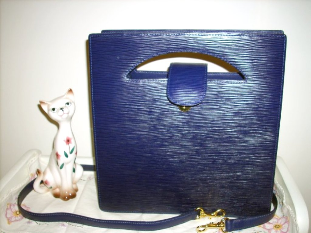 Danier leather tote bag with detachable shoulder strap purple vintage ll1029