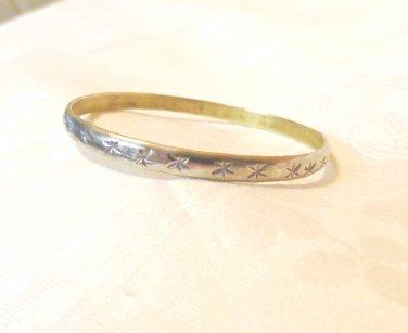 Silvery star stamped bangle bracelet pre-owned vintage ll3485
