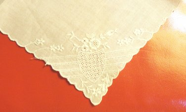 Sweet embroidered linen hanky white delicate little girl wedding antique  ll3489