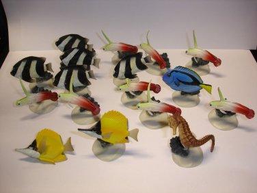 Used lot of 17 YUJIN sea horse tropic fish plastic figures figurines