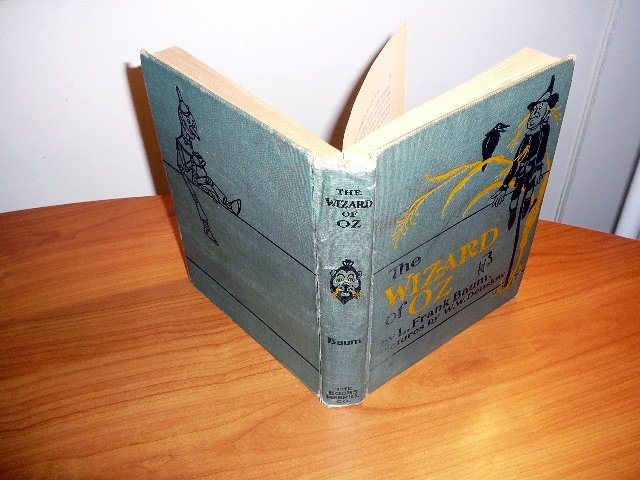 The Wizard of Oz, 2nd edition. 2nd state. Printed in early 1900s. 16 color plates.