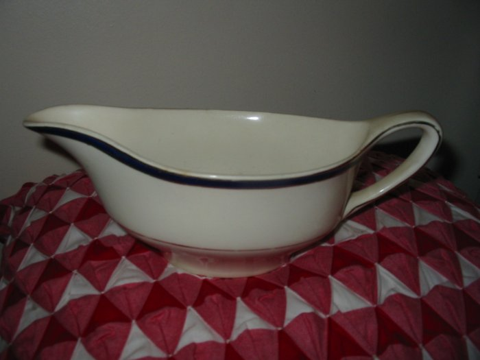 Johnson Brothers Gravy Boat Pareek Made In England Nice Piece
