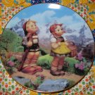 Little Explorers Collector Plate M.I. Hummel Little Companions What A BEAUTY Shipping Special