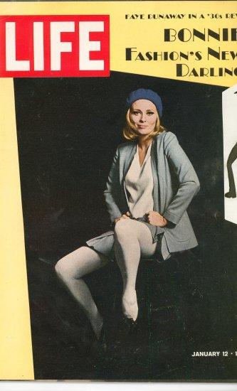 Life Magazine Faye Dunaway Bonnie Fashions New Darling January 12 1968 Vintage