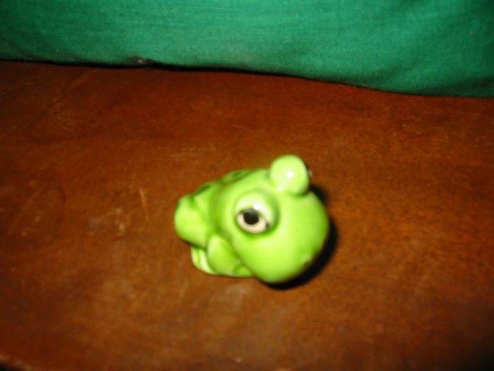 Frog Figurine Norcrest ? M302 ?  How Cute