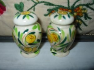Floral Salt And Pepper Shakers Vintage