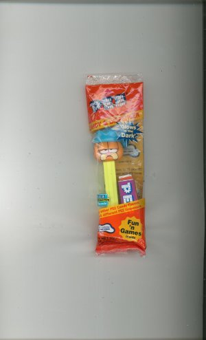 Pez Garfield With Blue Stocking Hat Candy Dispenser Never Opened In Package  73621 00303