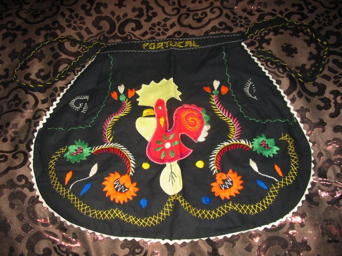 Vintage Hand Made Apron With Rooster Deco Colorful Very Nice
