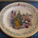 Lenox Disney Decorating The Tree Collector Plate Pluto and Mickey