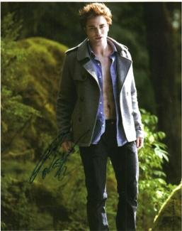 Robert Pattinson hand signed 8x10 Twilight