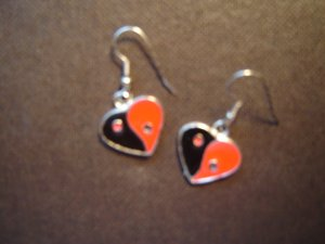 heart shaped yin yang pierced earrings silver tone red black enamel FREE SHIPPING